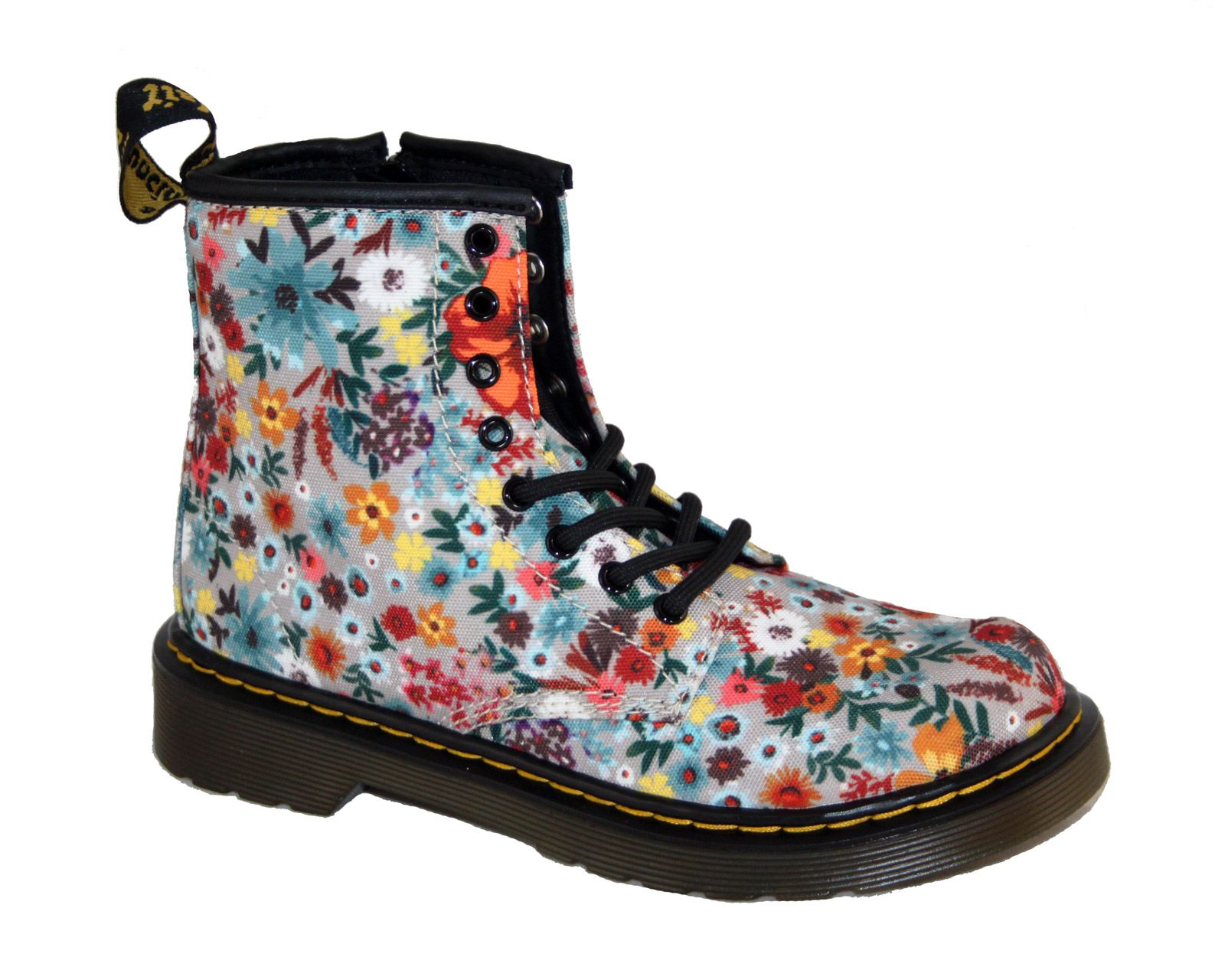approccio guardaroba genere  Dr. Martens Junior Delaney Floral Canvas 8-Eye Boot | Dr. Martens - Kids |  China Blue Shoes